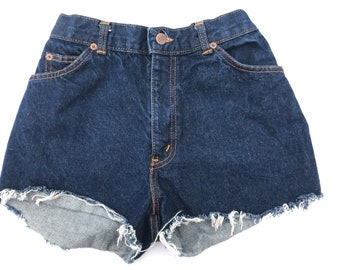 CHIC Dark Wash Cutoffs sz XS