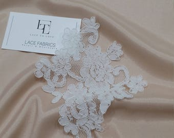 Ivory Lace applique, Ivory lace, French Chantilly lace applique, 3D lace, bridal applique, Applique M0054