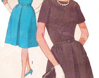 1960s Fitted Bodice Full Skirted Dress Simplicity Sewing Pattern 5237 Womens One Piece Dress in Half Sizes Size 16 1/2 Bust 37