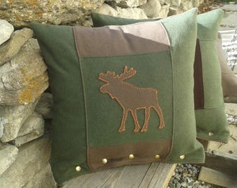 chalet mountain wool cushion / Trapper with momentum