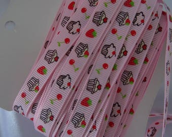 Lovely vintage Ribbon patterns gourmet cupcakes, strawberries and cherries