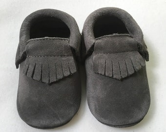 Suede gray moccasins, gray baby moccs, soft leather shoes, infant moccasins, gray moccs, gray suede, suede baby shoes, infant walkers