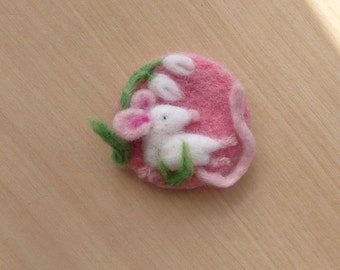 Mouse brooch, Needle felted mouse, Brooch. Pin, Felt pin, Woodland, Mice, Mice brooch, Felt brooch