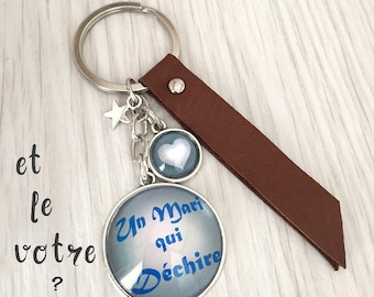 Keyring message a husband who tear blue leather REF.75, a custom message keychain