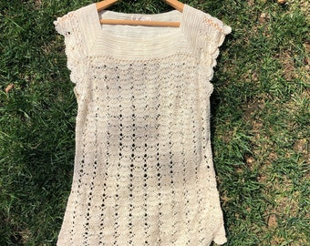 Vintage hand-crocheted top, size small