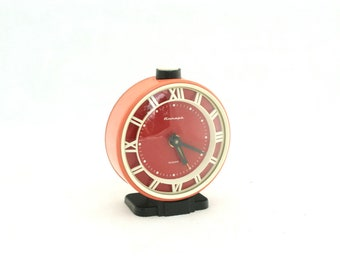 Vintage Alarm Clock Dusty Pink Red Black, Clock Jantar made in Russia, Soviet Union Clock mechanical, Vintage Gift ideas