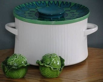 Mid century salt and pepper green lettuce Spring Easte