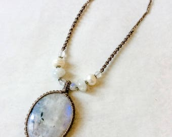 Rainbow Moonstone necklace, Natural Moonstone, Bridal macrame necklace, white stone necklace, Large oval moonstone, Boho style, Gift for her