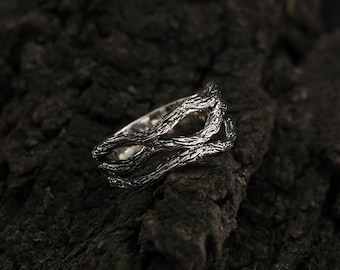 Unique silver branch ring, Branch wedding band, Unique design tree ring, Tree bark silver ring, Nature silver ring, Silver wedding ring.