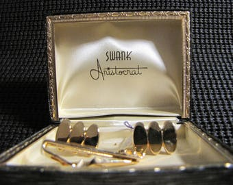 Vintage Gold Tone Cuff links and Tie Bar, unused old store stock, in original box by Swank, from the Aristocrat Line.