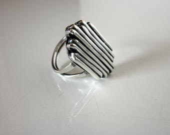 Bella's Sterling Parallel Ring
