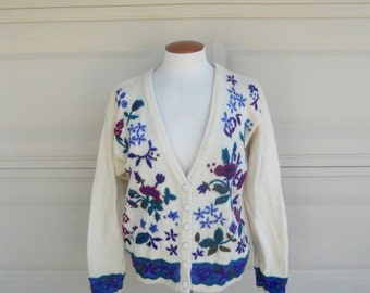 Vintage Wool Cardigan . Floral Embroidery . LL Bean Made in Hong Kong . Med