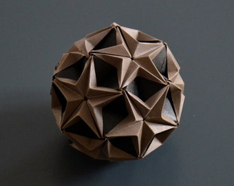 FOL Paper Ball . grey/black