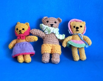Mama Papa and Baby Teddy Bears - Vintage Retro Crocheted Goldilocks & The Three Bears - Baby Nursery Crib