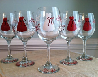 5 Personalized Bride and Bridesmaid Wine Glasses
