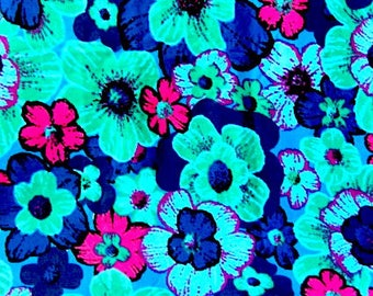 Fabric 5 1/2 yds, fabric remnant, sewing fabric, pillow fabric, flower fabric, retro fabric, upholstery fabric, blue flower fabric,  fabric