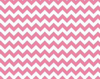 Riley Blake Designs, Small Chevron in Hot Pink (C340 70)