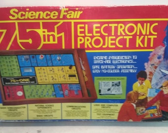 Science Fair 75 in 1 Electronic Project Kit
