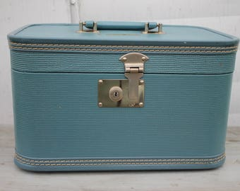 Vintage Train Case in Blue | Blue Suitcase | Blue Vintage Cosmetic Case | Wedding Card Holder | Something Blue | Small Suitcase | Stage Prop