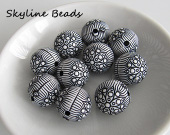 10 Black and White Round Acrylic Beads - 18mm