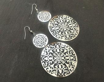 Silver Filigree Dangle Earrings, Long Silver Boho Chic Earrings, Silver Circle Earrings, Filigree Earrings, Geometric Silver Earrings
