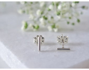 Tiny Sterling Silver Bar Studs, Minimal Earrings,earrings studs,Chic, Bar Earrings,Sterling Silver Bar Earrings, Post Earrings