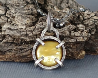 gold coin pearl pendant