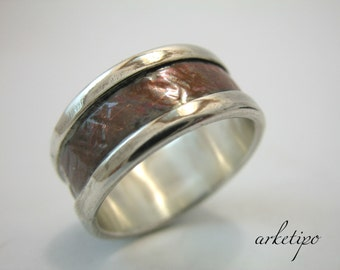 Wedding Band.. Personalized Ring sterling silver and copper.. Custom Ring.. Hammered - Handmade Band..
