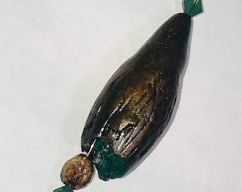 Breathtaking bronze pod bead from the BLONDIE FUND