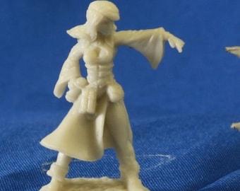 Juliette, Female Sorceress - 77057 - Reaper Miniatures