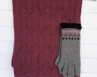 Knitted set of gloves and scarf, woolen kit, gift for girl women, woolen scarf, gloves