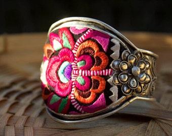 Ethnic embroidery bracelet