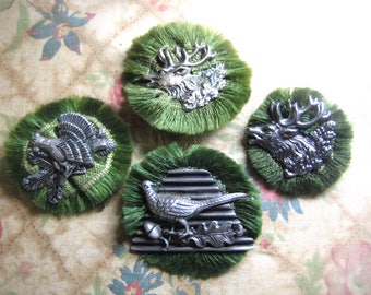 Collect 4 german antique hunt brooches. Souvenir. Red, pheasant. Metal on wool.