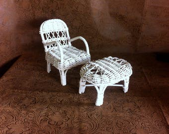 Toy dollhouse furniture Barbie furniture White wicker chair White wicker table Miniature wicker furniture Barbie doll chair and table