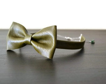 Green leather bow tie for men or women / Olive green bowtie / Leather bow tie / Leather bowtie