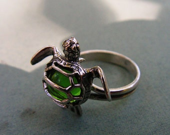 Sterling Silver Sea Turtle Ring With Peridot