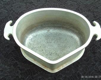 Vintage Guardian Service Cookware,Triangle Cast Aluminum Casserole Pot,Roasting Pot,Metal Craft Corp. 1930-1956,Triangular Stock Pot,Heavy
