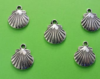 LOT 5 METALS CHARMS Silver: Shell 17mm