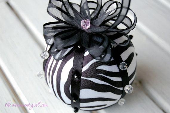TUTORIAL No sew zebra fabric ornament pattern Instructions
