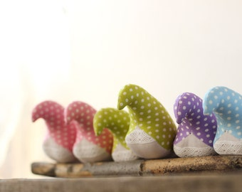 Polka dot soft toy birds. Set of seven pastel color cotton birds. Nursery decor and sweet baby toy. Patchwork bird.