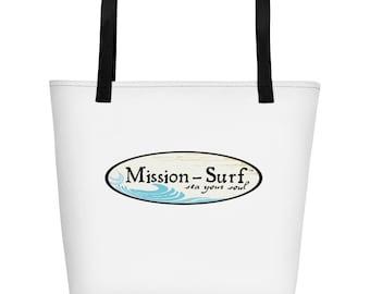 Strandtas met het missie-Surf ovale logo op buiten en binnen. Een trendy strand tote om alles te zetten bij het raken van de zonnige stranden.