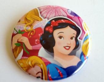 10 Upcycled Disney Prinzessin Button - Prinzessin Party Favor - Prinzessin-Geburtstags-Party - Prinzessin Schneewittchen Gefälligkeiten - Snow White Party Favors