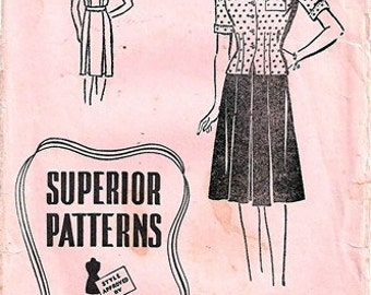 """Superior Pattern 9736 Smart """"Two-Piecer"""" / ca. 1943 / SZ14 Complete"""