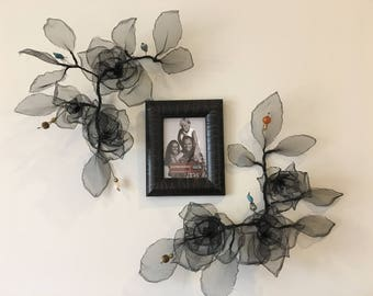 Two three-rose art pieces with picture frame. Wire and mesh art. Wire and mesh sculpture. 100% Handmade. Wall decor. Wire and Mesh Rose. 3D