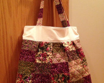 Quilted and Pleated Shoulder Bag. Flannel. Large
