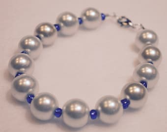 Creamy White Pearl Bracelet With Blue Seed Beads