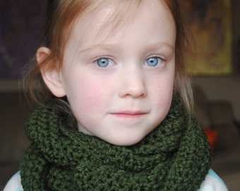 Infinity Scarf, Kids Infinity Scarf, Womens Infinity Scarf, Girls Infinity Scarf, Crochet Infinity Scarf, Circle Scarf, Green Spring Scarf