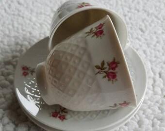 Vintage//cups and saucers//Leftmann Meadows Bavaria//Porcelain//brocant//flowers//Set of 2//English style//teacup//
