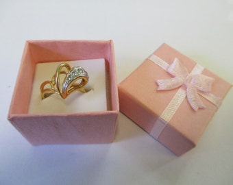 Vintage heart  18K HGE heart ring gold with clear rhinestones ,size aprox 6 1/2 .