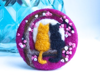 Mothers Day gift, Cat lover Gift, Cat brooch, cat pin, 'Love cats', Wool, Felt Brooch, Gifts for her, Gift for mom, cat jewellery,